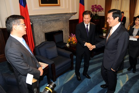 Taiwanese Leader Ma Ying-Jeou Meets Committee of 100 Delegation