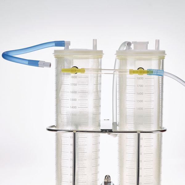 """4. Conecte el tubo azul VAC-GARD® de la tapa y el tubo de vacío al recipiente en """"T""""."""